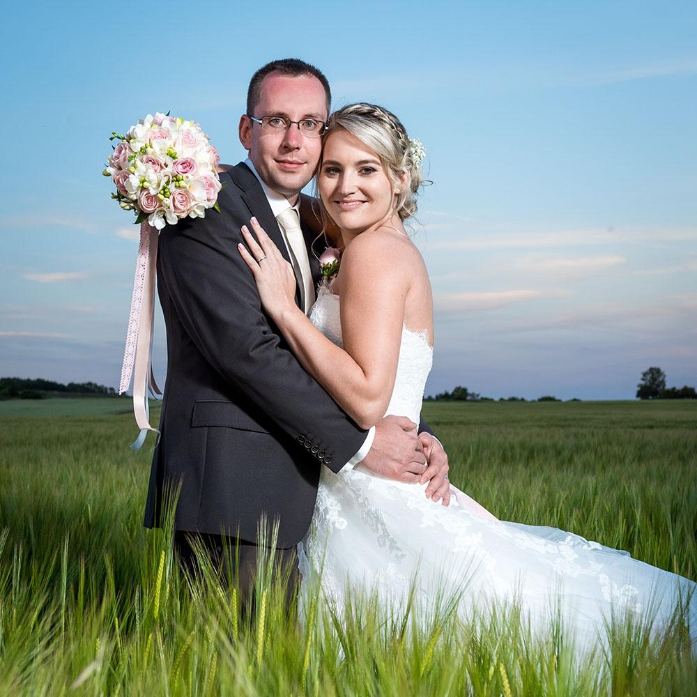svatební fotografování / fotograf Vojtěch Pavelčík / Yard Resort Předboj